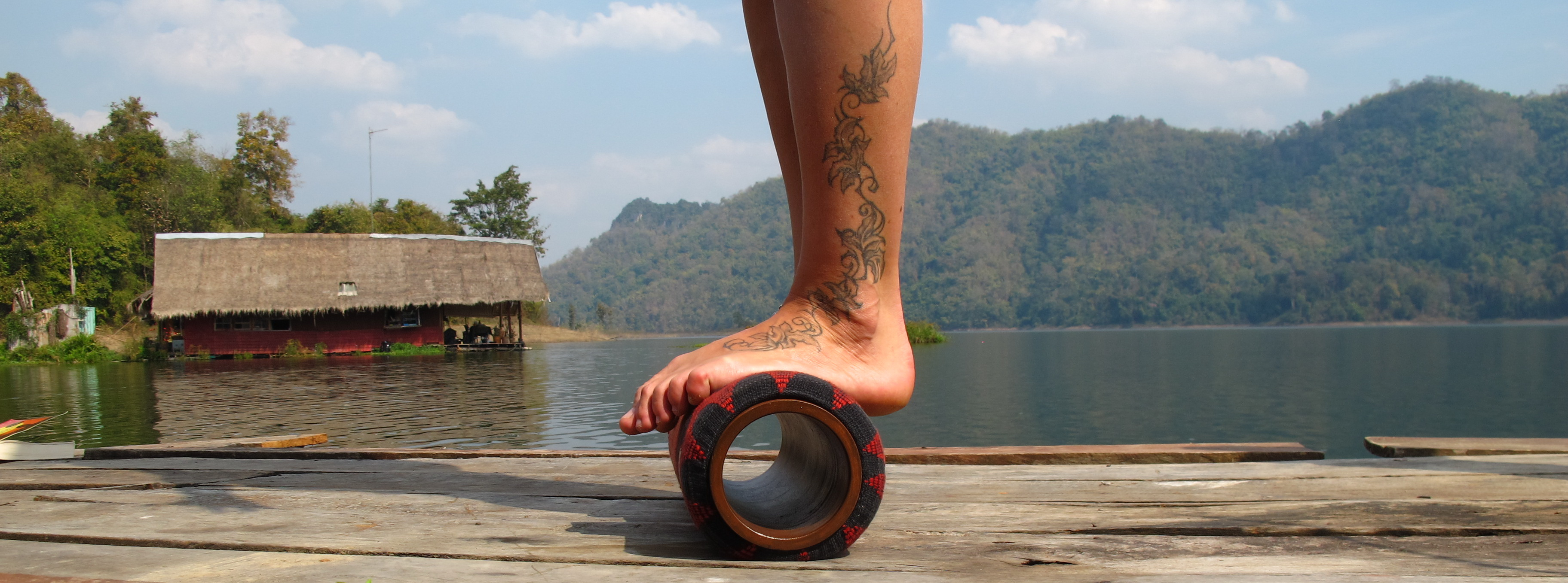 Lanna-Roller-Natural-Foam-Roller-standing